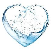 12248294-valentine-hjärta-gjord-av-blå-vatten-splash-isolerade-på-vit-bakgrund