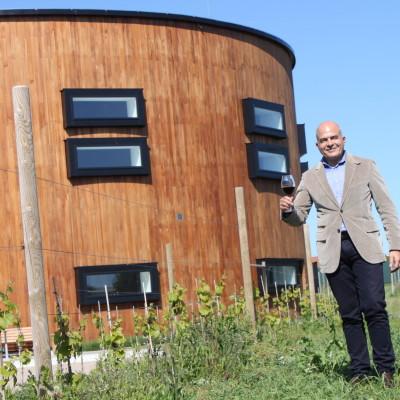 Nordic Sea Winery byggnad och ägare