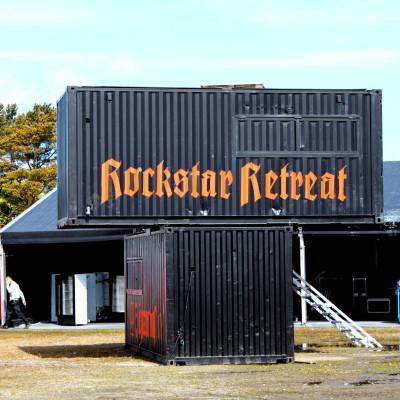 Sweden Rock Festival, Norje. Festivalen har också ett retreatområde där man kan äta, dricka och vila (här under uppbyggnad). På området finns också 200 utställare man kan besöka. Foto: Björn Solfors
